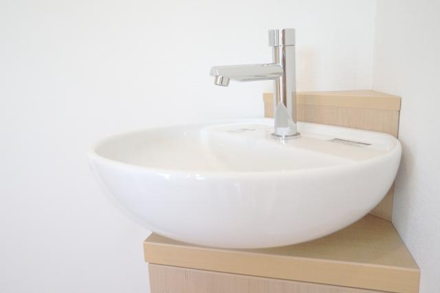 【手洗い器の配管のサビ】金属のサビ落とし、サビ防止にお掃除のプロも使っているお掃除アイテム